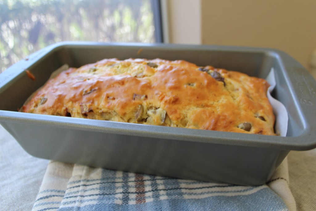 Olive and Cheese Loaf Bread